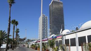L'ajuntament recupera sis negocis del Port Olímpic