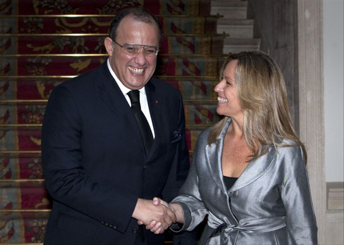 El ministro de Exteriores marroquí, Taieb Fassi Fihri, y su homóloga española, Trinidad Jiménez, hoy, tras el encuentro celebrado en Madrid.