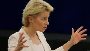 Ursula von der Leyen,candidata a presidir la Comisión Europea,durante un discurso en la Eurocámara.