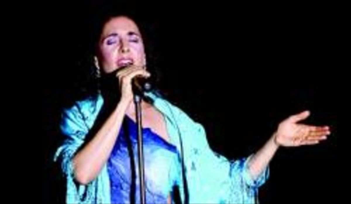 La cantante Juana Dolores Valderrama, en una reciente actuación.