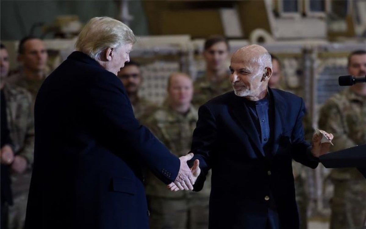 El presidente de los Estados Unidos, Donald Trump y el de Afaganistán, Ashraf Ghani.