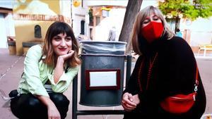 Ferran Monegal foto Susi Caramelo con papelera y nuria marin