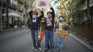 201210 Manifestacions a escoles en contra de la contaminacio  Foto Joan Mateu Parra 10 12 2020