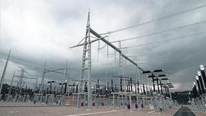 Una subestació de subministrament d'electricitat, propietat de Red Eléctrica, a Bescanó, el maig del 2011.