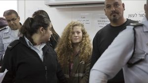 Vuit mesos de presó per a l'activista palestina que va bufetejar un soldat israelià