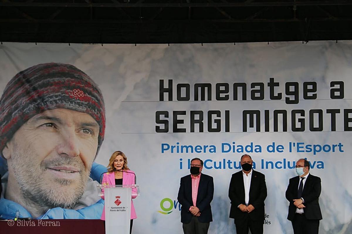 Parets rinde homenaje a su exalcade Sergi Mingote