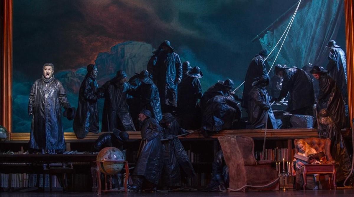 El barco fantasma de 'El holandés errante', de Wagner, en el montajeque atracará en el Liceu a partir del martes.