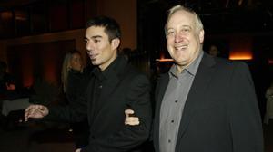 Pol Mainat y su padre, Josep Maria Mainat, en la inauguración de un restaurante en el 2004.