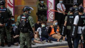 Detendios por protestas en Hong Kong.