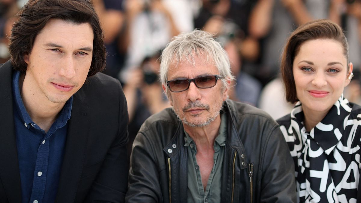 Adam Driver, Leos Carax y Marion Cotillard, tras la presentación de 'Annette' en Cannes