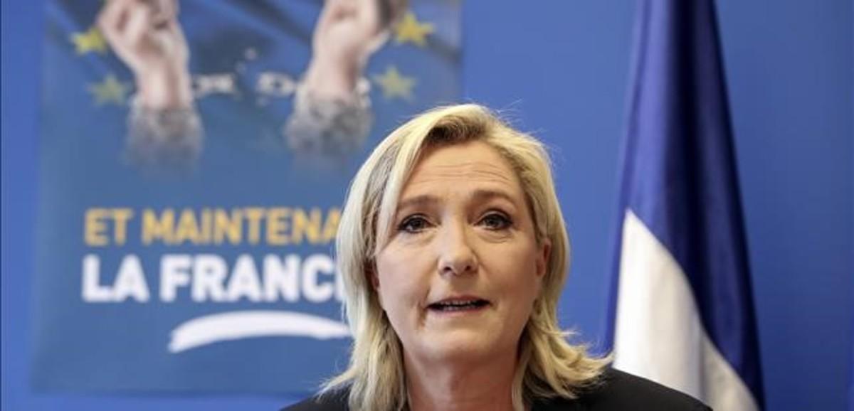 Marine Le Pen, en una conferencia de prensa en Nanterre.