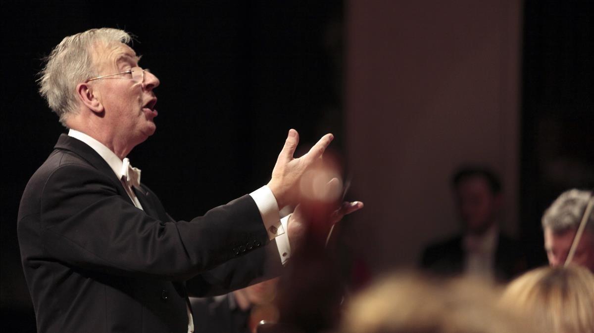 Higginbottom, dirigiendo 'El Mesías' de Händel en el Palau de la Música.
