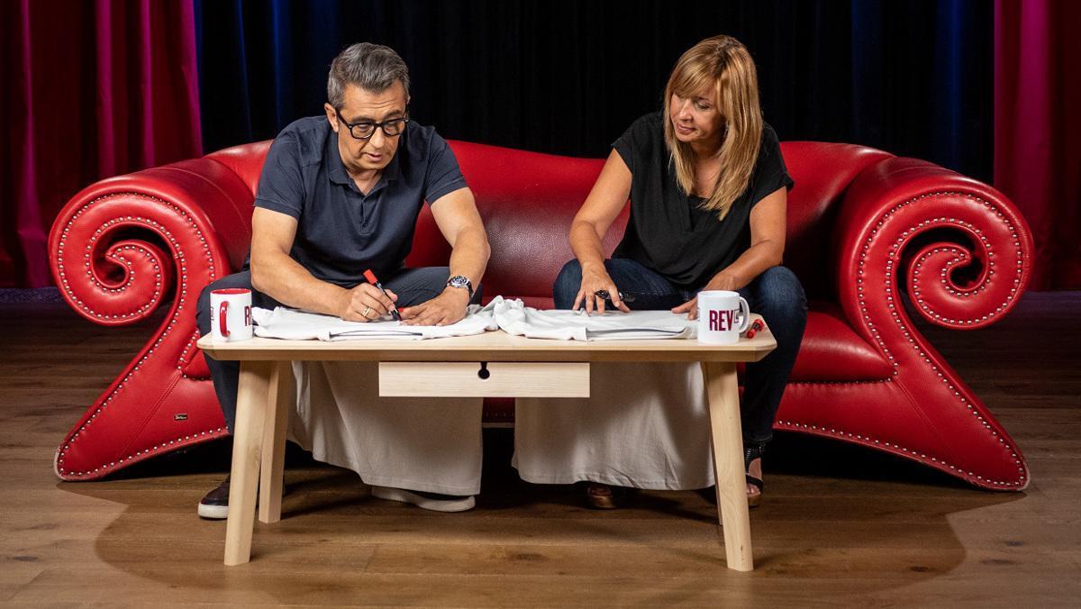 Andreu Buenafuente y Xantal Llavina, en la tercera temporada de 'Revolució 4.0'.