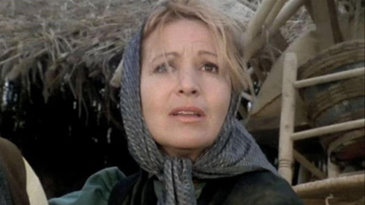 Marisa de Leza em el papel deTeresa de la serie 'La barraca', de TVE-1, en la que también participaron Victctoria Abril y Álvaro de Luna.