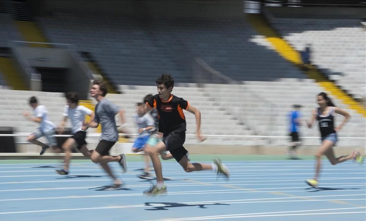 Los 100 metros lisos en la recta de tribuna donde ganó LinfordChristie.