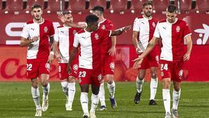 Los jugadores del Girona al final del partido.