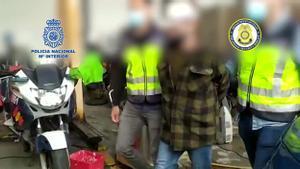 Detenido en Cádiz un fugitivo reclamado por abusar sexualmente de una menor durante 12 años.