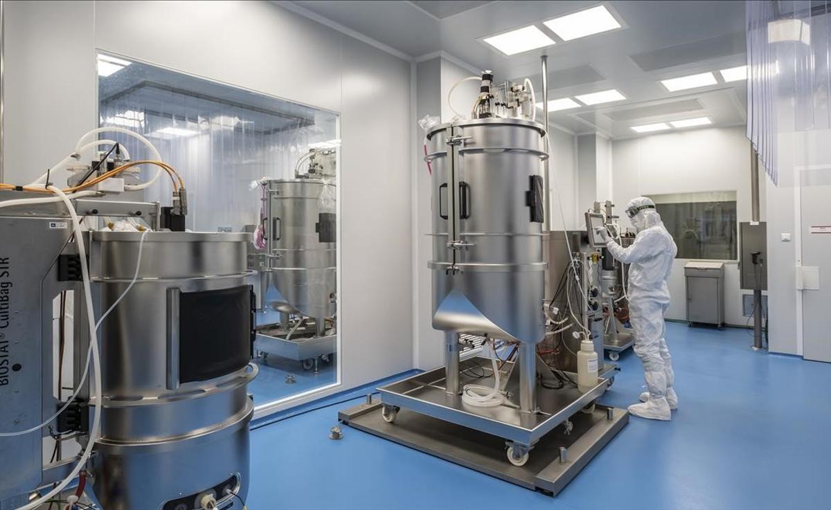 Laboratorios de la empresa Hipra.