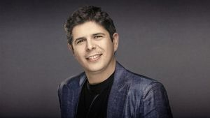 Javier Perianes.