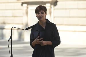 La portavoz del Ejecutivo, la titular de Política Territorial, Isabel Rodríguez, este 15 de julio tras el acto de víctimas del covid-19, en el Palacio Real de Madrid.