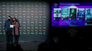 La película 'Adú' lidera con 14 nominaciones la quiniela de los Goya. En la foto, Ana Belén y Dani Rovira durante la presentación de los nominados para la 35ª edición de los Premios Goya.