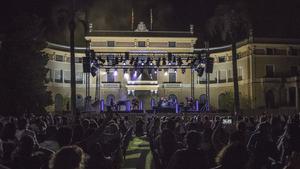Aspecto general de los jardines del palacio de Pedralbes, durante el concierto de David Bisbal dentro del Fes Pedralbes, el miércoles 5 de agosto.