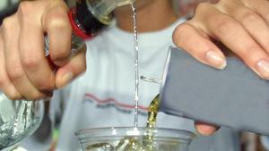 Las bebidas energéticas podrían desaconsejarse a los menores de 16 años