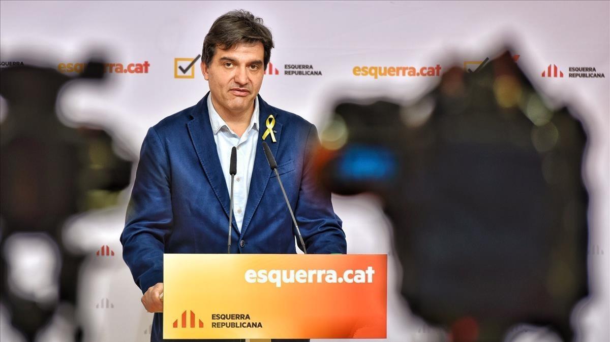 El portavoz de ERC,Sergi Sabrià, en rueda de prensa.