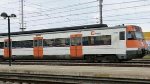 Un tren de Rodalies circulando.