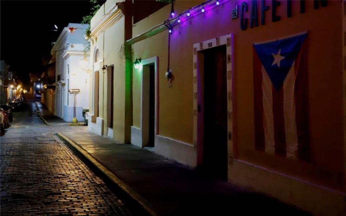 Las calles de Puerto Rico sin gente por el coronavirus.