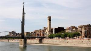 El monumento franquista del Ebro, en Tortosa.