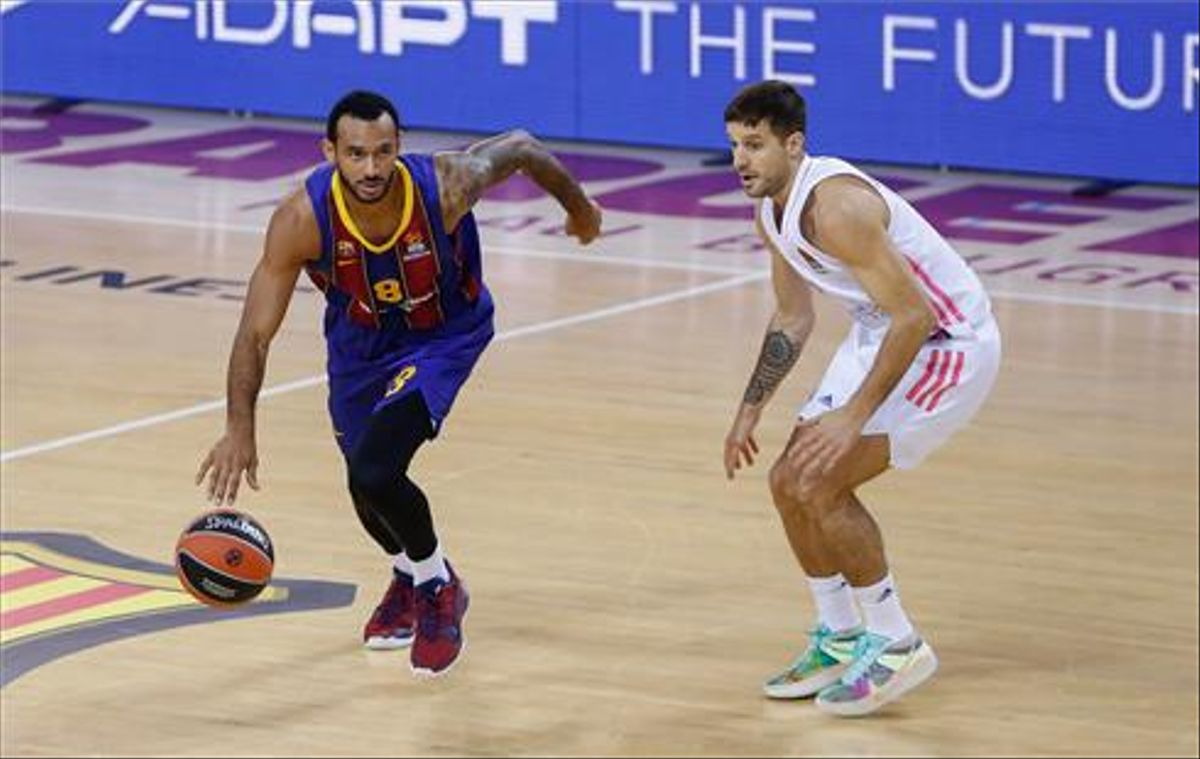 Hanga dirige un ataque del Barça, defendido por Laprovittola