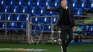 El técnico del Real Madrid, Zinedine Zidane, durante un partido de los blancos.