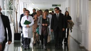 La 'consellera' de Salut, Alba Vergés, y el ministro de Sanidad, Salvador Illa, en el Hospital Clínic de Barcelona.