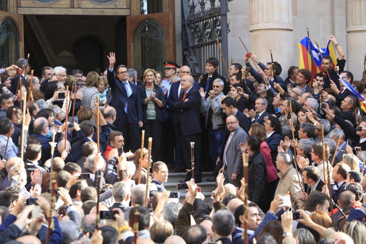 El 'president' Artur Mas, el pasado 15 de octubre, a su salida del Palau de Justícia tras declarar como imputado por el 9-N.