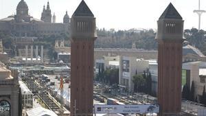La avenida de Maria Cristina, entre la plaza de España y el Palau Nacional.