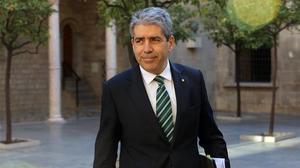 El portavoz del Govern, Francesc Homs, a su llegada a la reunión del Consell Executiu este martes.
