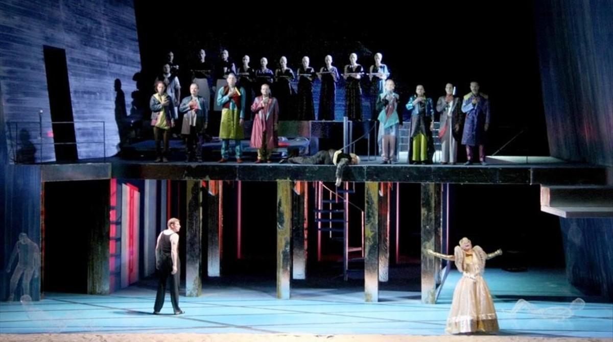 Un momento del último acto de 'DerKönig Kandaules', de Alexander von Zemlinsky, en la puesta en escena del Teatro Massimo de Palermo, presentada en la Maestranza de Sevilla.