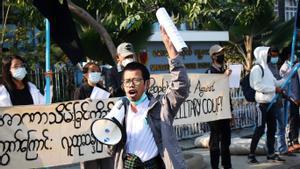 El govern militar birmà ordena el bloqueig de Facebook