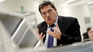 Les mitges veritats d'Escrivá, Sánchez i Iglesias sobre les pensions
