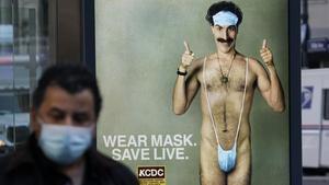 Un cartel que anuncia la nueva película de Borat, en la Quinta Avenida de Nueva York.