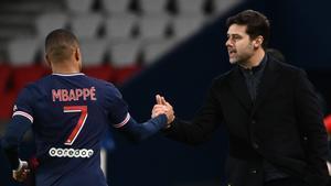 Pochettino felicita a Mbappé por un gol del delantero en el partido del PSG frente al Nimes