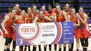 Las jugadoras españolas celebran la clasificación para Tokio-2020 tras batir a Gran Bretaña en Belgrado.