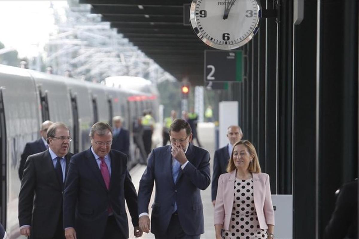 Rajoy y Pastor, en la inauguración del AVE de Valladolid a Palencia y León.