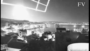 Resplandor en el cielo de Galicia captado por una cámara en Cangas.