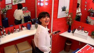 Amaia en el baño de 'First Dates'.