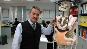 El administrador de la empresa de prótesis Traiber, Lluís Márquez, posa en las oficinas de la firma, en una imagen de archivo.