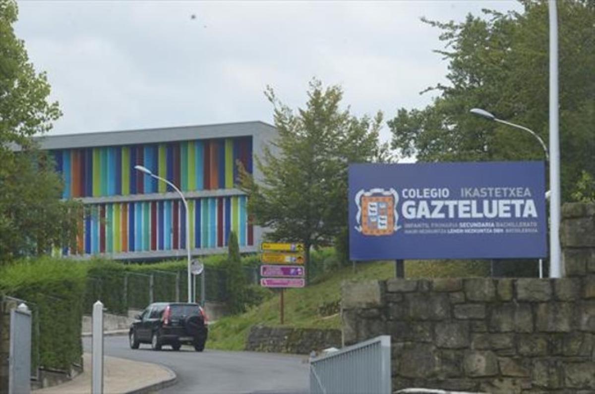 Entrada del colegio Gaztelueta, donde presuntamente ocurrieron los abusos entre el 2008 y el 2010.
