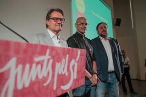 Artur Mas, Raül Romeva y Oriol Junqueras han presentado el programa electoral de Junts pel Si en el CCCB.