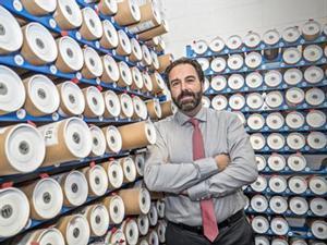 Entre productos que fabrican en la empresaEduard Papell, gerente de Voronet.